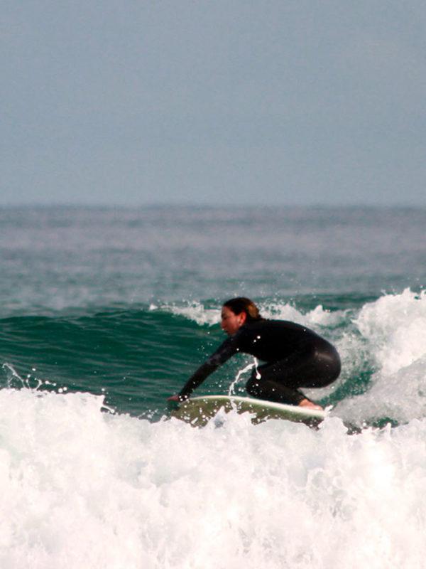 gioia-uliana-surf-sup-yoga-instructor-somo-y-loredo-santander-spain-spagna-surf-riding-malika-surf-school-2019